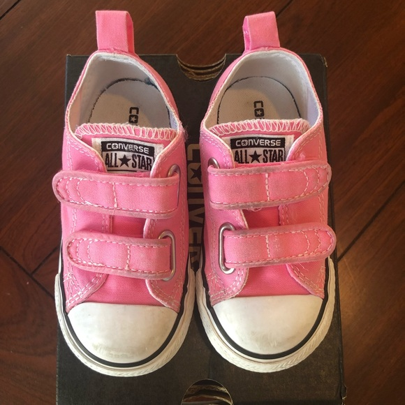 brand new 8330e e22fe Converse Other - Toddler Chuck Taylor All Star 2v Low Top Sneaker 7